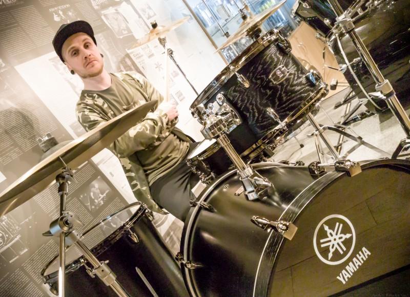 Саша Солоха O.Torvald играет на Yamaha Live Custom