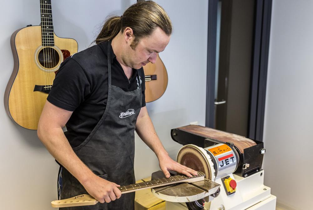 Сервисный центр JAM / Yamaha ремонт гитар и других музыкальных инструментов Киев